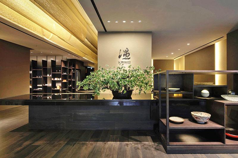 Bタイプクリアゴールド金網を使用した日本料理店